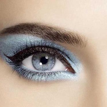 Se maquiller selon la couleur de ses yeux - Couleur maquillage yeux bleus ...